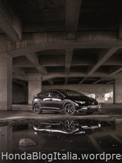 25486_Honda_Civic_Black_Edition
