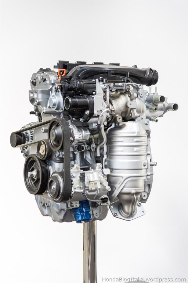 64926_All_New_VTEC_TURBO_engines_set_for_next_generation_2017_Civic_thumb.jpg
