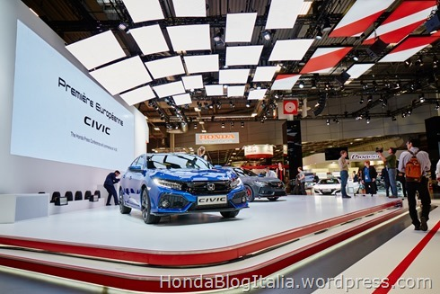 THE NEXT STEP IN HONDA'S RESURGENCE: CIVIC HATCHBACK AND TYPE R PROTOTYPE TAKE CENTRE STAGE AT PARIS