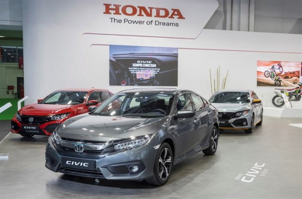 HONDA EN EL AUTOMOBILE 2017